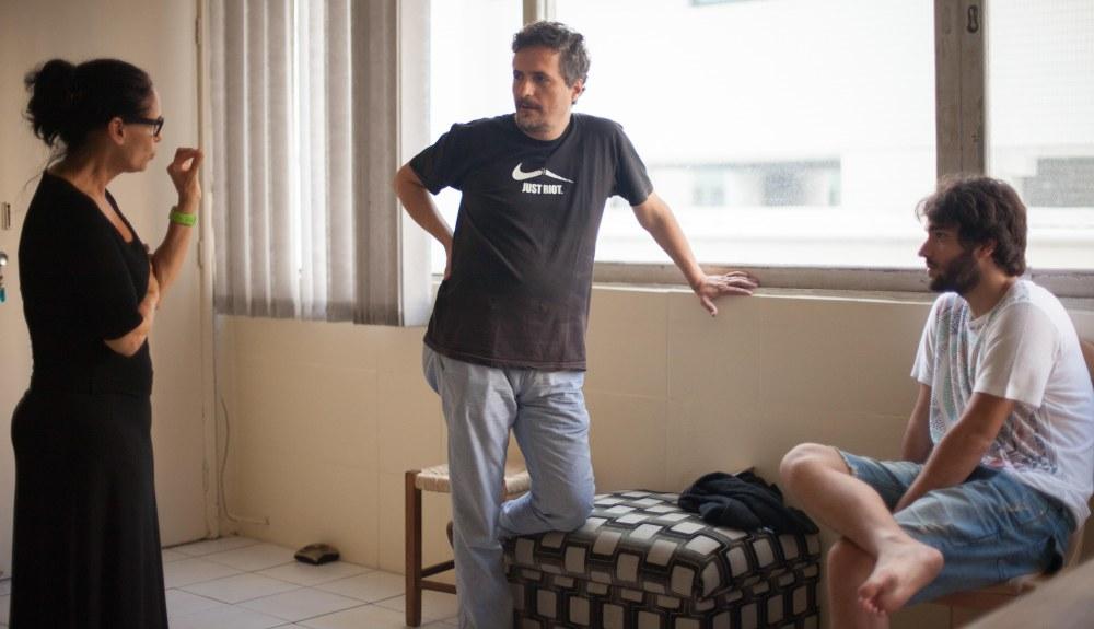 Sonia-Braga-o-diretor-Kleber-Mendonça-Filho-e-Humberto-Carrão-em-AquariusCrédito-Pedro-Sotero.-