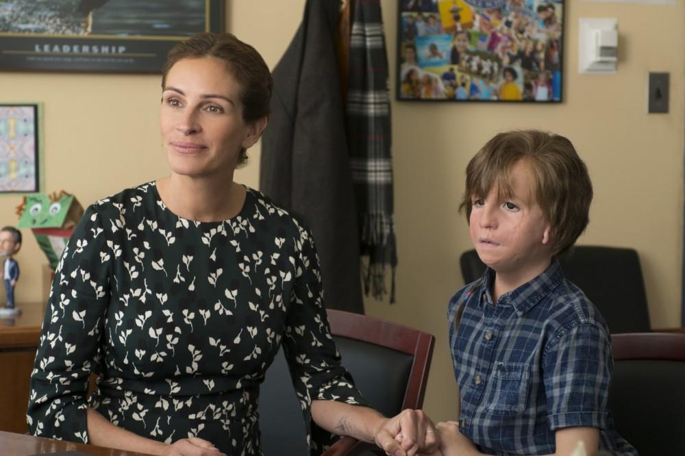 Isabel Pullman (Julia Roberts) und Auggie Pullman (Jacob Tremblay)